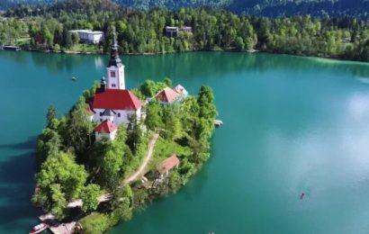 斯洛維尼亞最美「歐洲之眼」 上教堂要爬99階